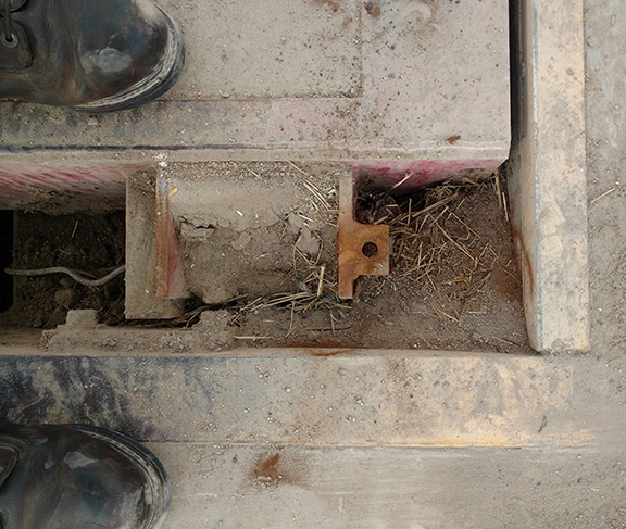 Dirt Build Up inside Truck Scale