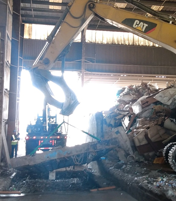 Cleaning of truck scale pit
